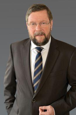 Portraitfoto von Hartwig Schröder